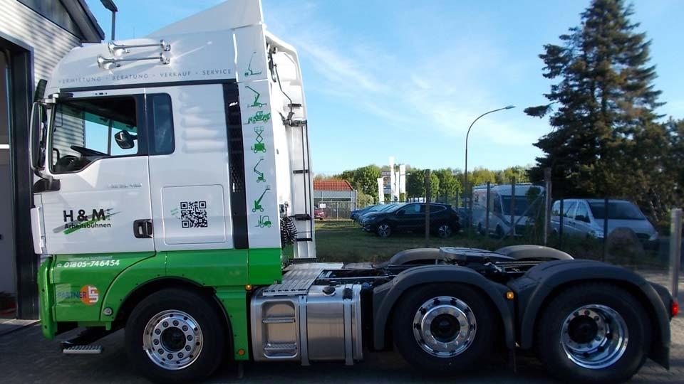H & M Arbeitsbühnen - Fahrzeugbeschriftung - Fahrzeugfolierung | Gennat + Petersen Werbung