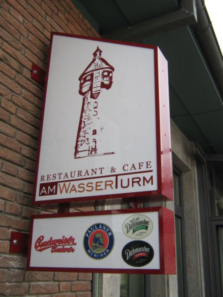 Restaurant am Wasserturm - Leuchtkästen | Gennat + Petersen Werbung